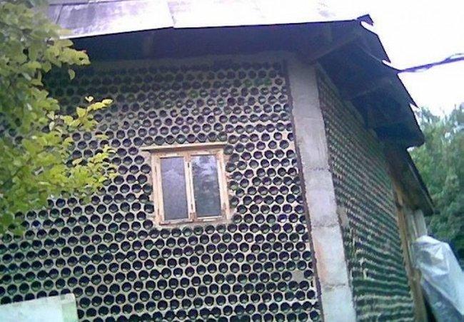 Къща от бутилки Tn