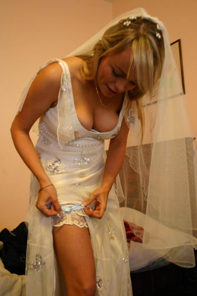 http://fishki.net/picsw/042008/29/brides_in_underwear/020_brides_in_underwear.jpg