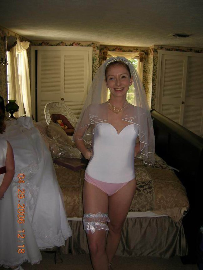 http://fishki.net/picsw/042008/29/brides_in_underwear/022_brides_in_underwear.jpg