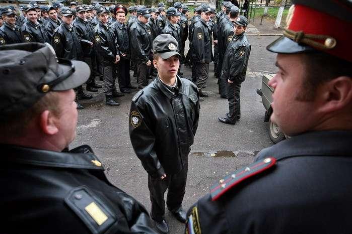 """Российским полицейским хотят """"развязать руки"""": можно будет стрелять в людных местах и в женщин без явных признаков беременности - Цензор.НЕТ 4505"""