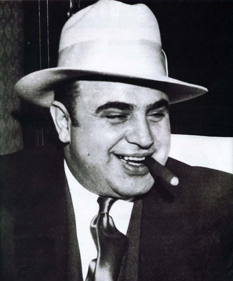 Аль Капоне и его камеры (3 фото)