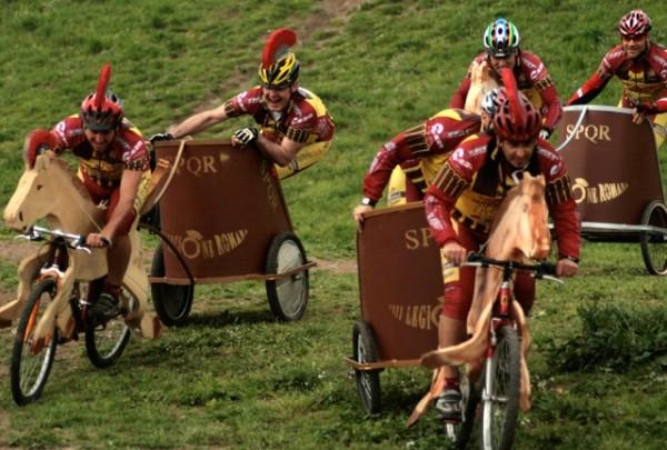 Гонки на велоколесницах в Риме (5 фото)