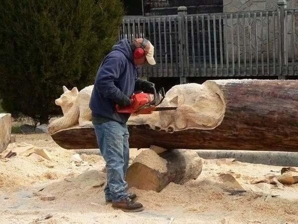 Скульптуры из дерева (29 фото)