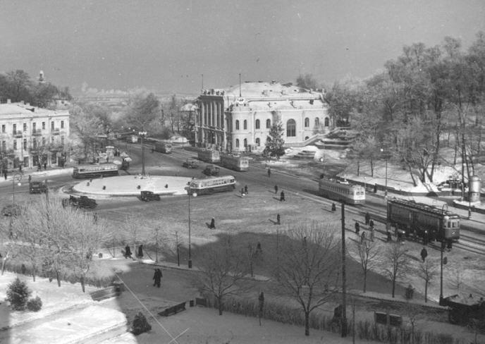 Площадь Ленинского Комсомола (ныне - Европейская площадь), 1950-е годы