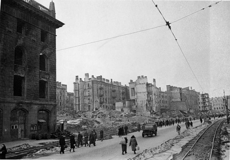Крещатик, 1944 год