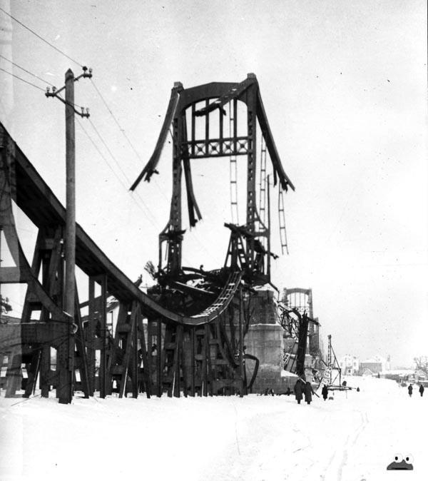Руины Цепного моста, 1943-44 гг.