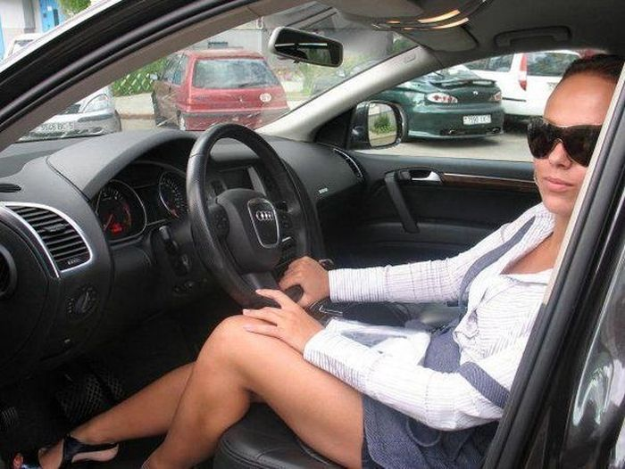Девушка за рулем: картинки и фото девушка за. - Depositphotos 92