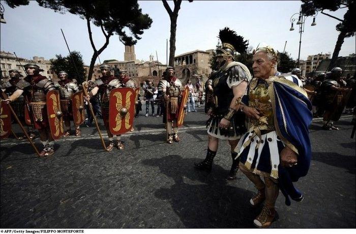 Парад в честь 2763-летия Рима (10 фото + 1 видео)