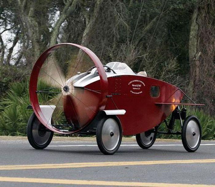 Автомобили с пропеллером (8 фото)