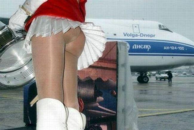 Девушки в юбках и небольшой ветерок (60 фото)