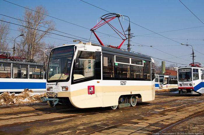 Короткий трамвай-конкурент маршруткам (9 фото)