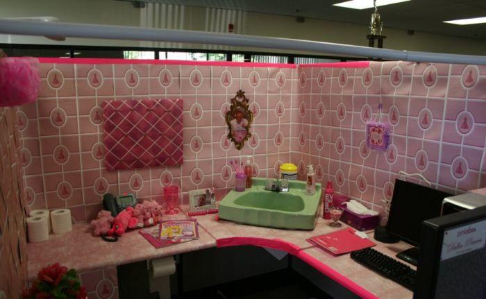 Трудовые будни в розом цвете (6 фото)