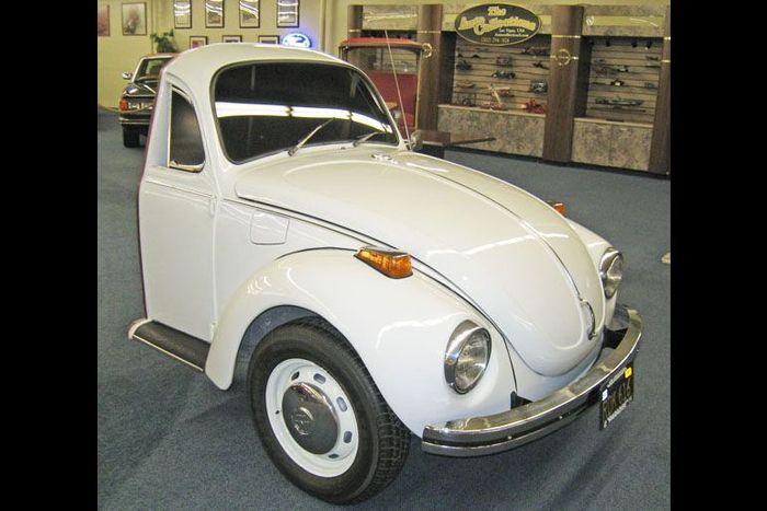 В шоу-руме Лас-Вегаса продается половина VW Beetle (6 фото)