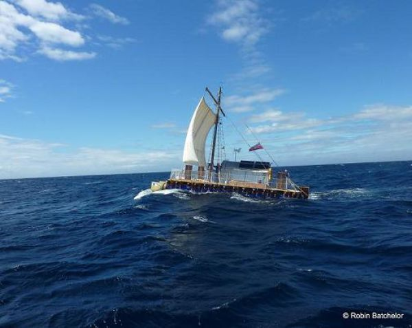 Через Атлантику на самодельном посту (31 фото)