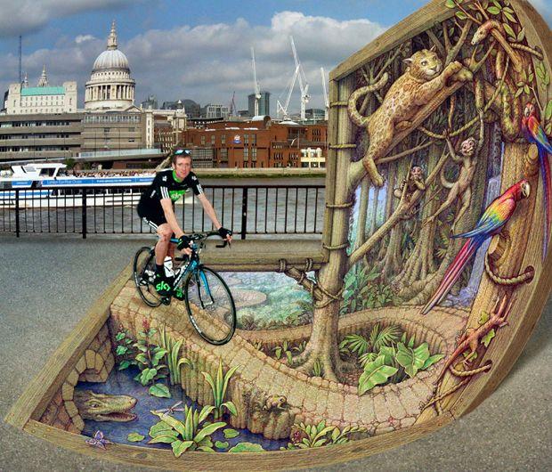 Велосипедист Брэдли Уиггинс уезжает из Southbank в тропический лес, на картине под названием <br> «Лесной путь», октябрь 2010 года.