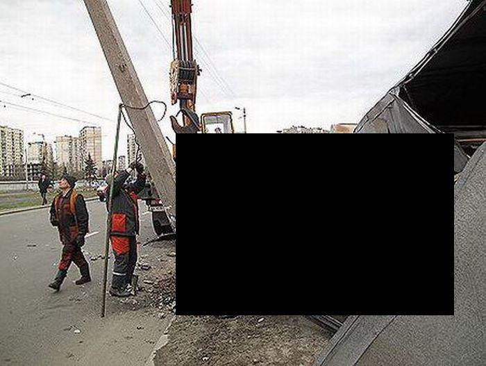 Угнанный автомойщиком S-класс превратился в хлам (7 фото)