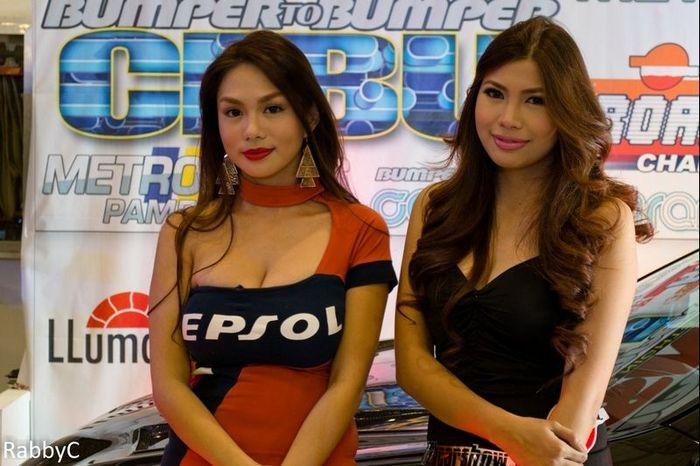 Девушки с автосалона в Филиппинах (72 фото)