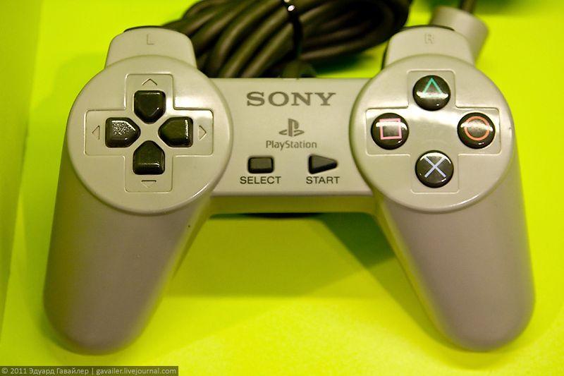 Первая игровая приставка от Сони (Sony PlayStation), 1994 г.