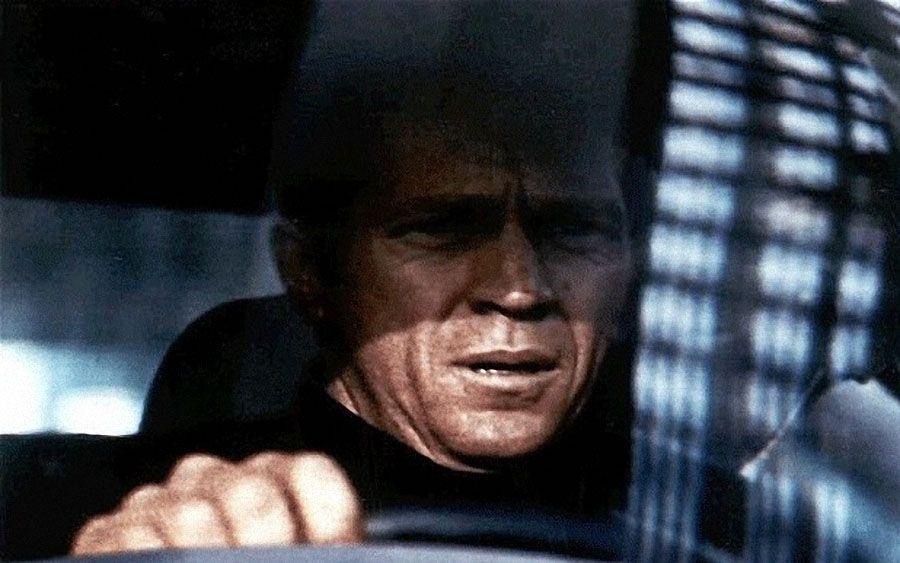 Предположительно, у Чарльза Мэнсона был «список смертников», в котором было несколько заметных фигур киномира, а главной из них был Стив МакКуин (на фото). После того, как Мэнсон убил пять человек, включая друзей МакКуина – Шэрон Тэйт и Джея Себринга, - пошли слухи, что МакКуин следующий. (PA)