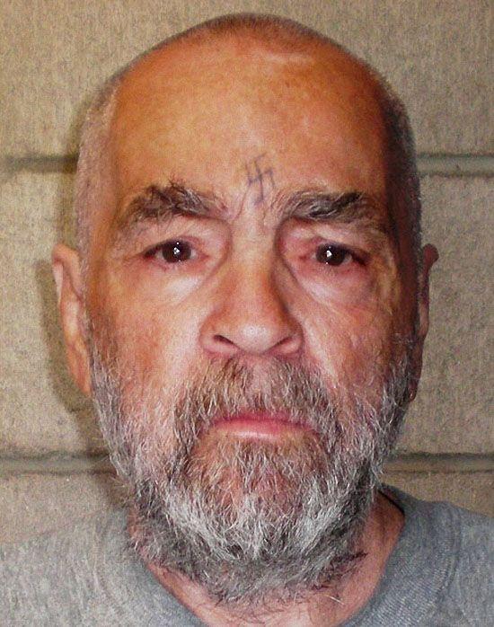Это самая последняя фотография Чарльзя Мэнсона, сделанная в марте 2009 года в тюрьме Коркоран в Калифорнии. (REX FEATURES)