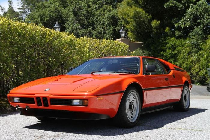 Раритетный BMW M1 с 3000 миль пробега выставлен на аукционе (66 фото)