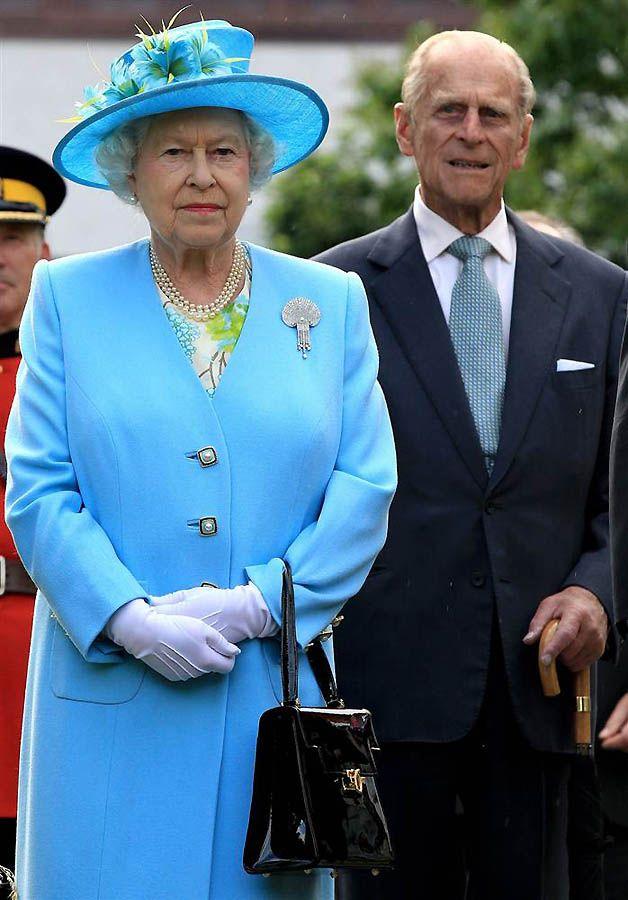 1. После королевской свадьбы Королева Елизавета Вторая с мужем принцем Филиппом проведет встречу с молодоженами в Букингемском дворце с самыми близкими гостями. (Chris Jackson / Getty Images)