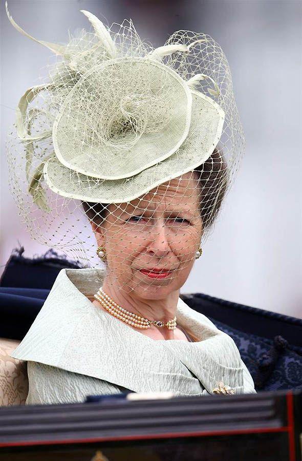 3. Принцесса Анна – единственная дочь Королевы Елизаветы и принца Филиппа и единственный член королевской семьи, принимавший участие в Олимпийских играх – в конном спорте. Ее дочь Зара Филипс также выйдет замуж этим летом. (Julian Herbert / Getty Images)