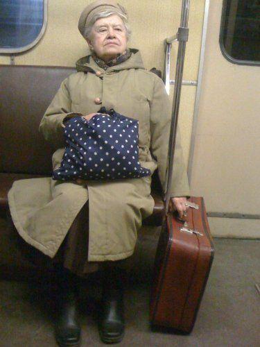 Даже бабушка понимает: валить надо из страны
