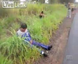 Страшные последствия аварии автобуса в Бразилии. Смотреть только 21+