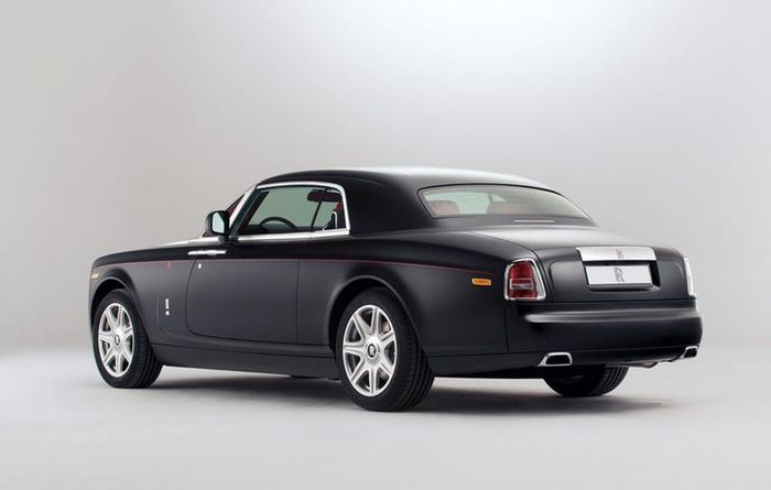 Спецверсия Mirage модели Rolls-Royce Phantom (10 фото)