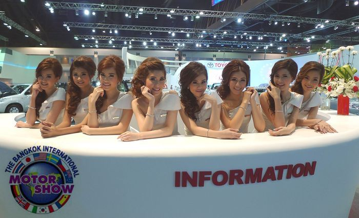 Девушки с автосалона в Бангкоке (117 фото+видео)