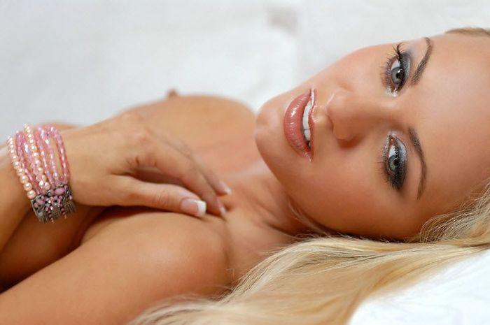 Сексуальный женский взгляд (25 фото)