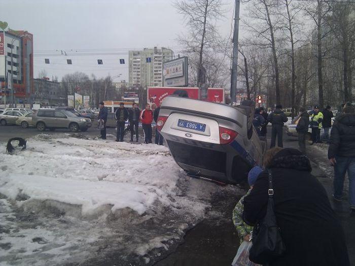 Крупное ДТП с участием полицейской машины на Дмитровском шоссе (24 фото+видео)