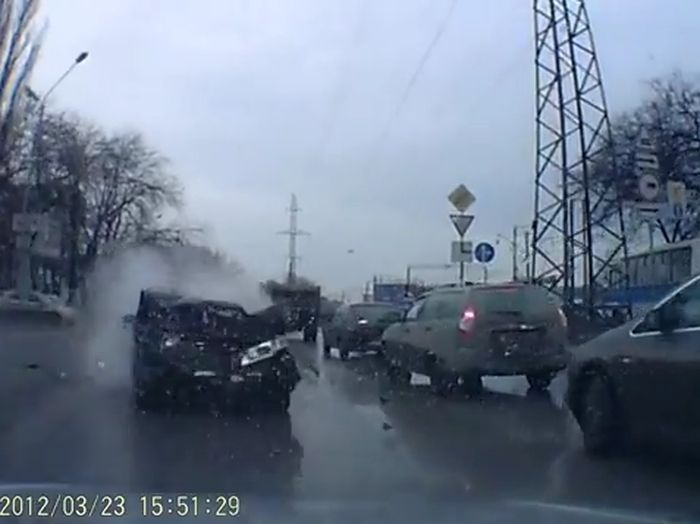 Авария дня часть 526 (фото+2 видео)