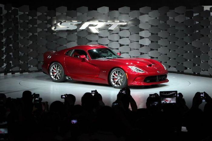 Компания SRT показала свое новое творение модели Viper (83 фото+2 видео)