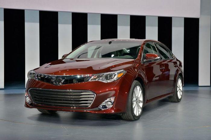 На автосалоне в Нью-Йорке была представлена обновленная Toyota Avalon (34 фото+видео)