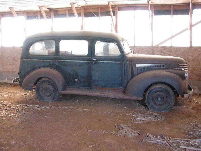 Chevrolet Suburban 1947 года выпуска нашли в сарае в Вирджинии (13 фото)