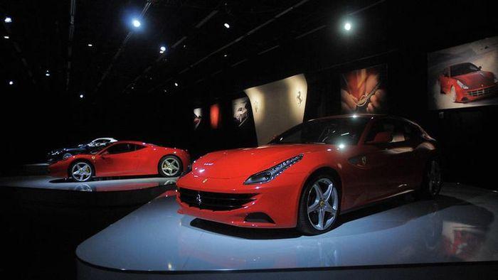 Автомобильная выставка Отомотор-2012 (51 фото)