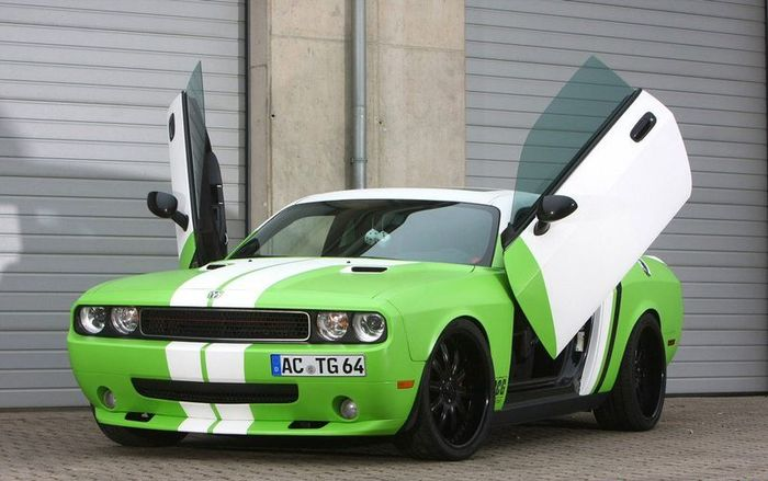 Dodge Challenger SRT8 от ателье CCG Automotive (12 фото)