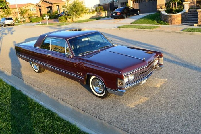 Редкий Imperial Crown Coupe 1967 года продают на аукционе (69 фото)