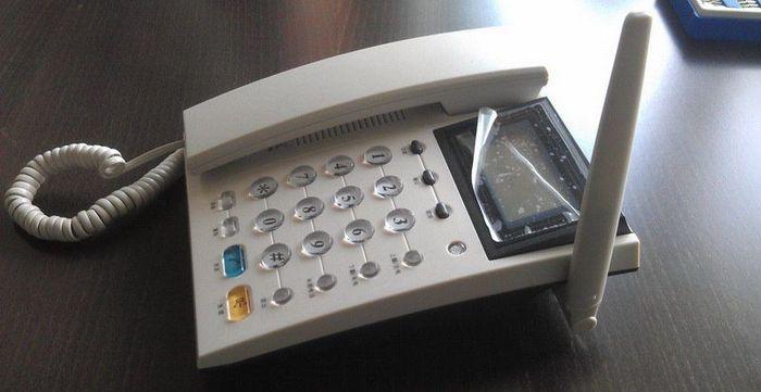 Обычный китайский CDMA-телефон с сюрпризом внутри (17 фото)