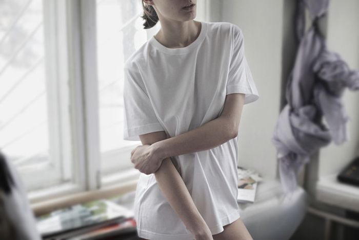 Девушки в мокрых футболках (15 фото)