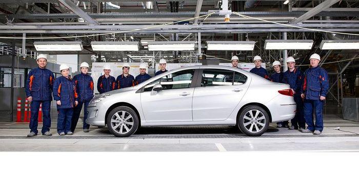 В Калуге начали сборку Peugeot 408 для российского рынка (2 фото)