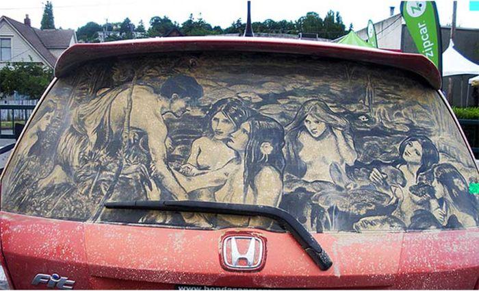 Рисунки на пыльных стеклах автомобилей (41 фото)
