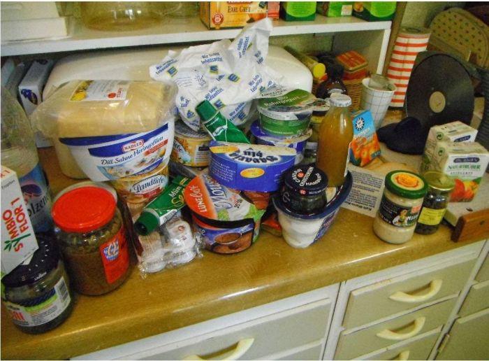 Холодильник одного парня из Америки (4 фото)