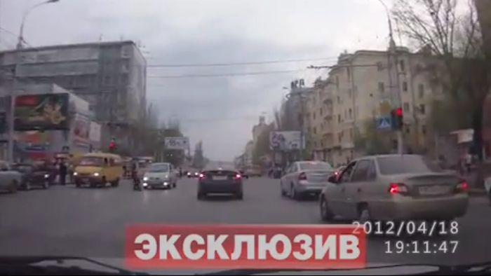 Авария дня часть 544 (фото+2 видео)