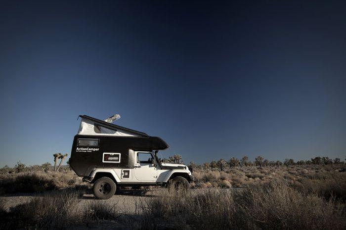Дом на колесах на базе Jeep Wrangler (9 фото)