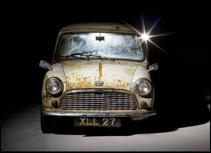 Один из первых выпущенных MINI первого поколения продадут на аукционе (4 фото)