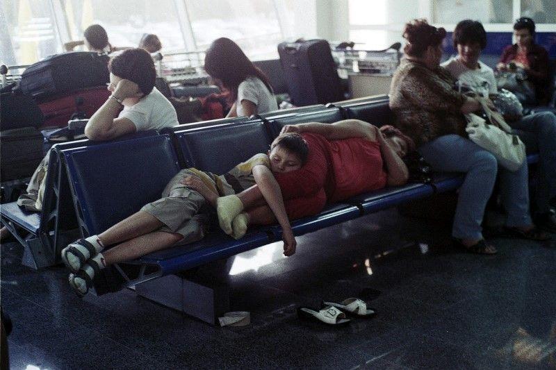 уже фото как люди спят на вокзале что