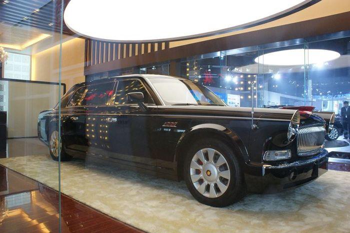 Лимузин для Компартии Китая (8 фото)